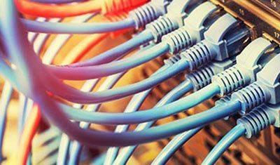 Connectiques réseaux et vidéos neuves et de seconde main