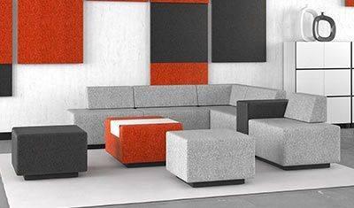 Aménagement d'un espace détente avec du mobilier neuf et d'occasion